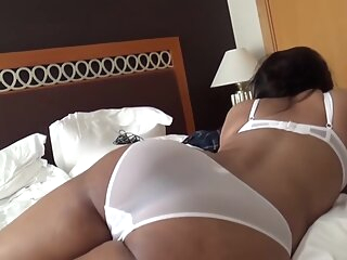 Watch amateur Fucking an Indian Aunty